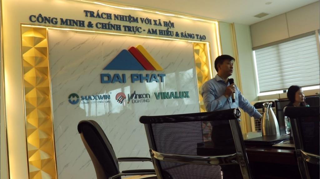Anh Phan Văn Liêm - Giám đốc công ty Đại Phát chia sẻ tại hội thảo