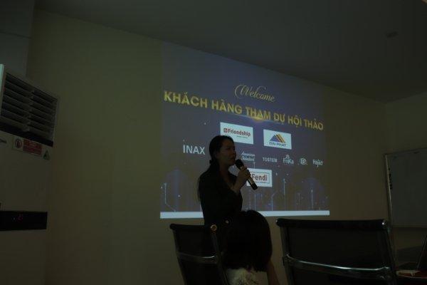 Ms Ánh - Đại diện ngành hàng ống cấp nước sạch Ijpex và phụ kiện Mechfit phát biểu tại hội thảo